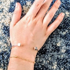 independent Jewelry - 4 piece silver stackable bracelet set